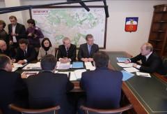 Putin i Pjatigorsk, Chloponin med ryggen mot kameran. Foto: premier.gov.ru.