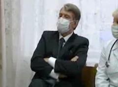 Jusjtjenko inspekterar sjukhus i Kiev