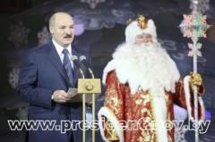 Lukasjenko och jultomten. Eller Farfar Frost, som han heter i Vitryssland, och Ryssland.
