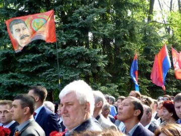 Firande av segerdagen i Charkiv med Stalin.